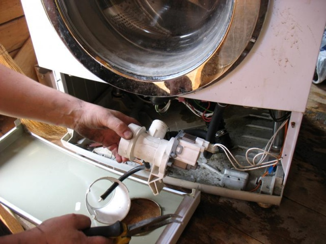 Поломки стиральных машин LG – услуги мастеров сервисного центра в Киеве
